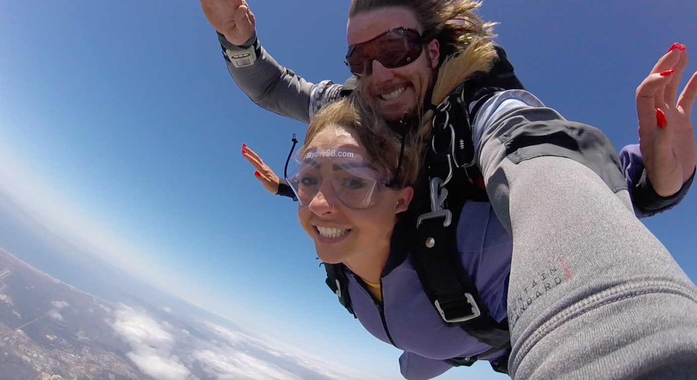 Tandem skydivers at Skydive Santa Barbara